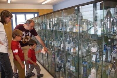 """""""Ja tenim 2200 ampolles... i encara en volem més!"""" al Museu de l'Aigua"""