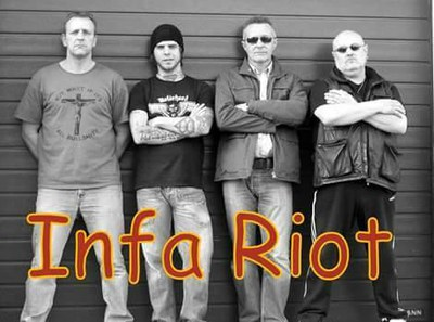 Concert d'Infa Riot i Codi de Silenci al Cafè del Teatre