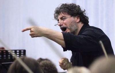 José Cura dirigeix la Julià Carbonell en un concert únic i excepcional