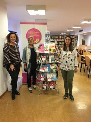 La biblioteca municipal de Pardinyes augmenta el seu fons en català gràcies a la col·laboració de la Fundació Antigues Caixes Catalanes i BBVA CX