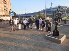 La Paeria col·loca l'escultura 'Els Plors de la Terra' a Pardinyes, davant la passarel·la de l'Estació de ferrocarril