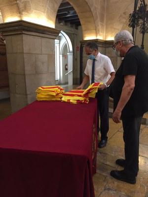 L'Ajuntament de Lleida inicia el repartiment de senyeres per la Diada