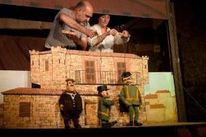 """Los Titiriteros de Binéfar presenten """"El bandido Cucaracha"""" al teatre municipal de l'Escorxador"""