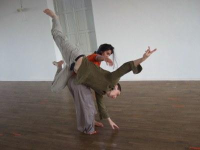 Sessions Jam de dansa contact a la Sala 2 del Teatre municipal de l'Escorxador