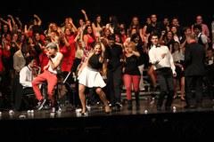 """Un centenar de cantants interpreten a Lleida """"El Musical participatiu"""""""