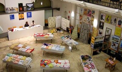Exposició de pintures i mercadet de labors a benefici de Mans Unides