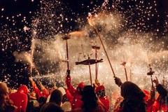 Viu la Festa Major! Esbarts, Balls folklòrics, Mostra de la cervesa artesana i festival folk, Nit de Correfocs, Revetlla als Camps Elisis